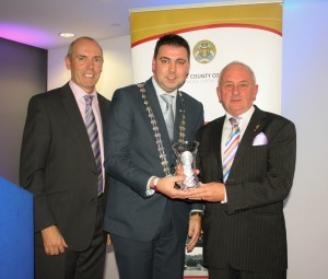 Mayor O' Shea presenting Individual National Hero Award Winner Charles Henderson from Kinsale with a gift of crystal as a token of appreciation from Cork County Council for his work and dedication to the Tidy Towns competition.