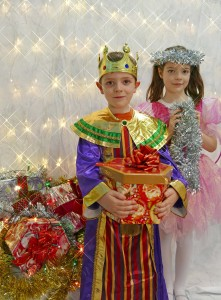 12th November 2015: Festive fairy Aoife and her brother King Eoghan Cregg getting excited ahead of the Cracking Christmas Fair at Mallow Castle on Saturday, December 12th from 1-5pm, while selected businesses will also offer 10% off from 9am to 6pm on the day! Photo by Sean Jefferies Photography.