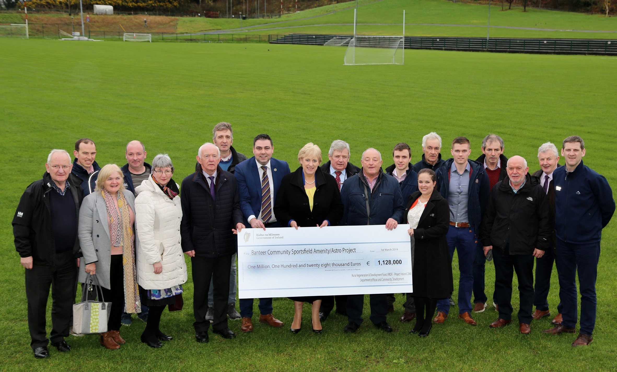 O'Shea welcomes Minister Humphreys to Banteer Community Sportsfield